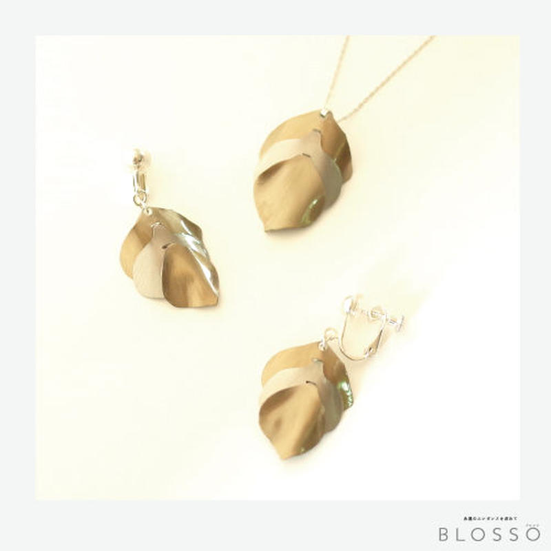 【Web限定】花びら ネックレス & イヤリング セット