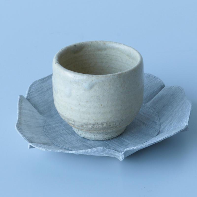 石井すみ子/根来形輪花布皿(淡い墨)