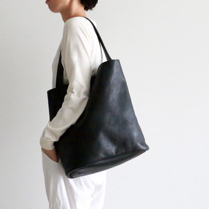 archipelago original/ Leather tote bag