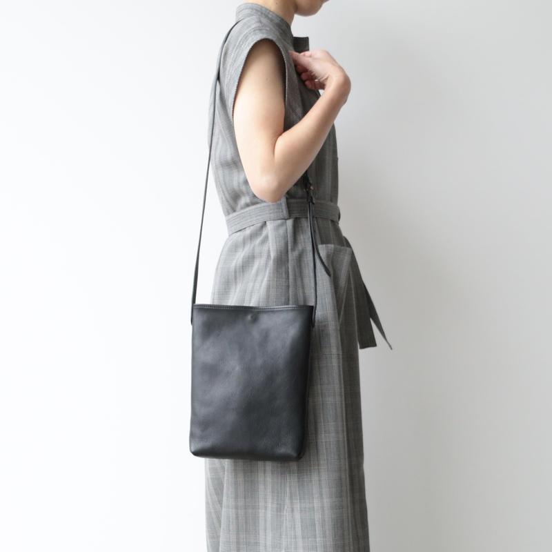 archipelago original/ Leather shoulder pouch