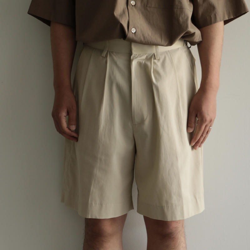 AURALEE /HARD TWIST GABARDINE SHORTS (men's/ IVORY BEIGE)