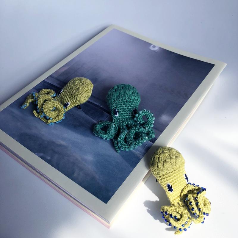 編みタコ ブローチ [ Knitting Octopus Brooch]/ 203gow