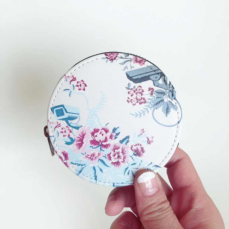花とカメラ コインケース[  Flower and Surveillance Camera Coin Purse]/83