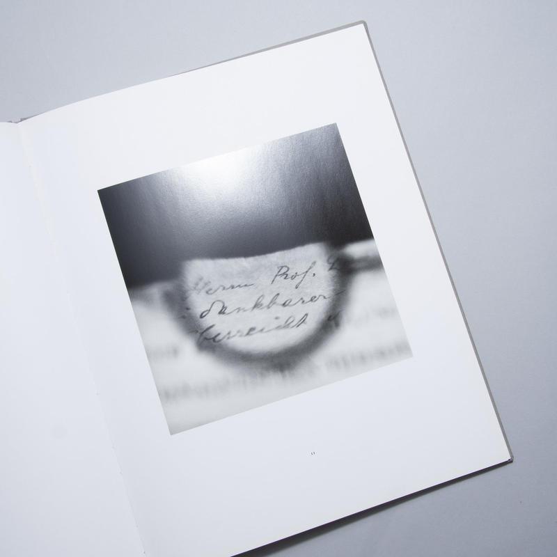 Between Visible / 米田知子(Tomoko Yoneda)