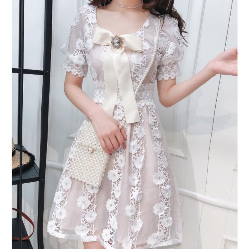 Big ribbon brooch puff dress(No.300647)