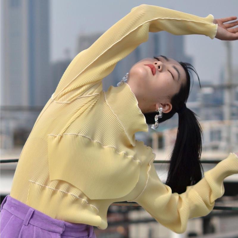 to do kotohayokozawa / High neck  pleats top / long-sleeve / YELLOW