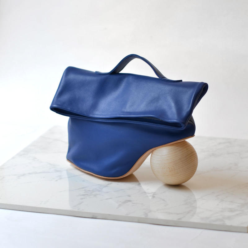 azumi&david / HEEL GEOMETRY HAND BAG / BLUE