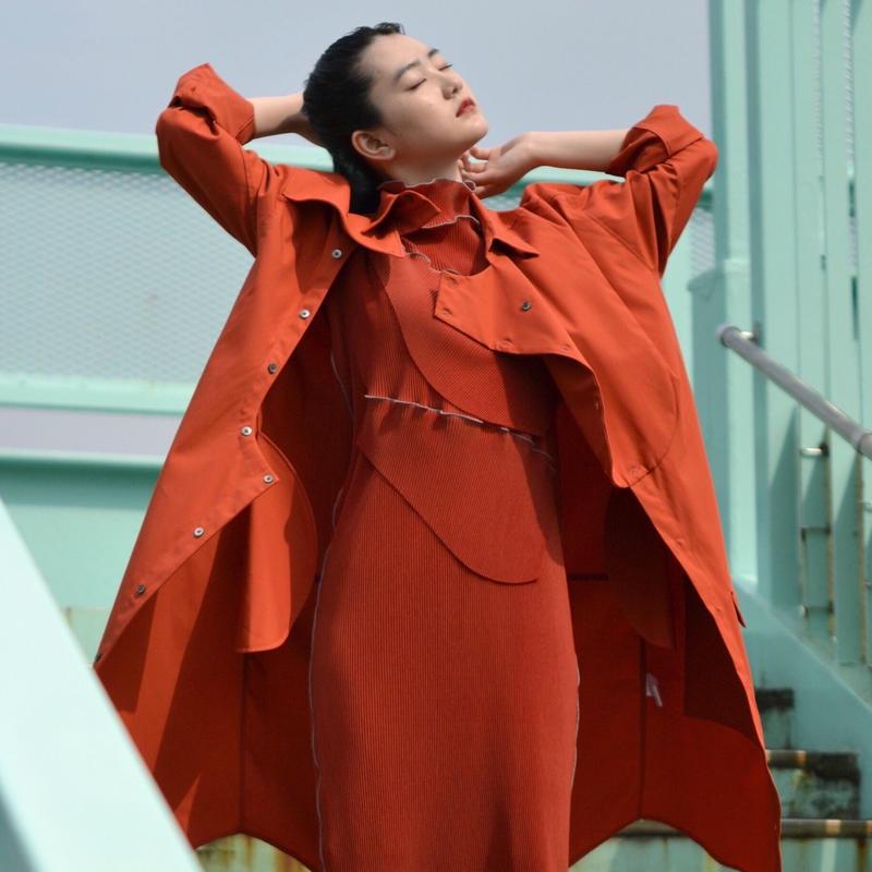 to do kotohayokozawa / High neck pleats dress / short-sleeve / RED