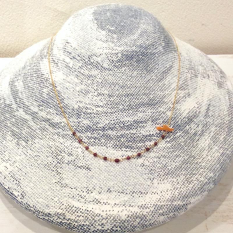 ガーネットと深海珊瑚のネックレス