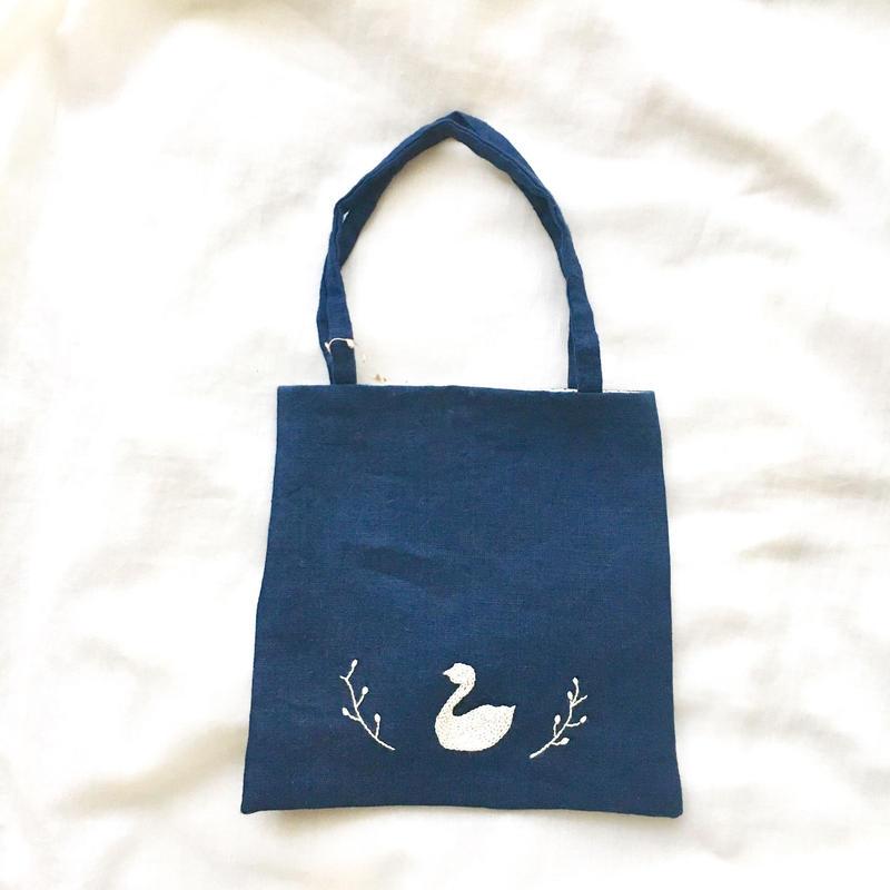 f iore 刺繍ミニバッグ(白鳥)