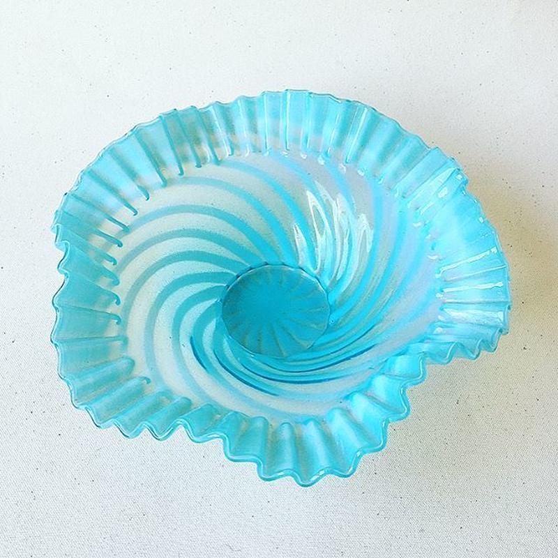 "U.S.A. 1930's Vintage ""Fenton"" Art Glass Bowl"