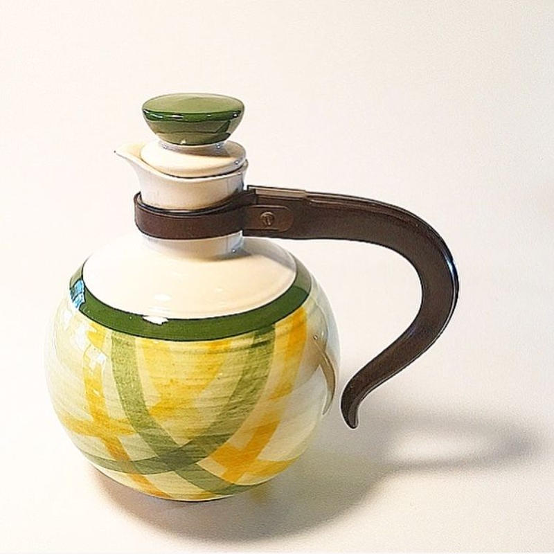U.S.A. Vintage California Poterry ''Vernon Kilns'' Gingham Coffee Pot