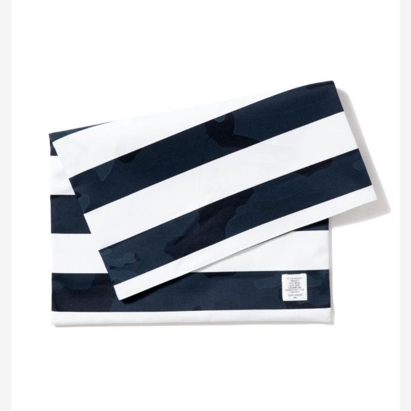 【APPLEBUM】Camo Border Clutch Bag