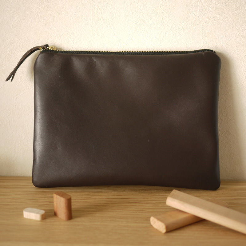 NEW Pouch / L DarkBrown
