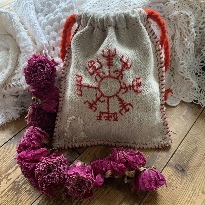 Rune compass bag