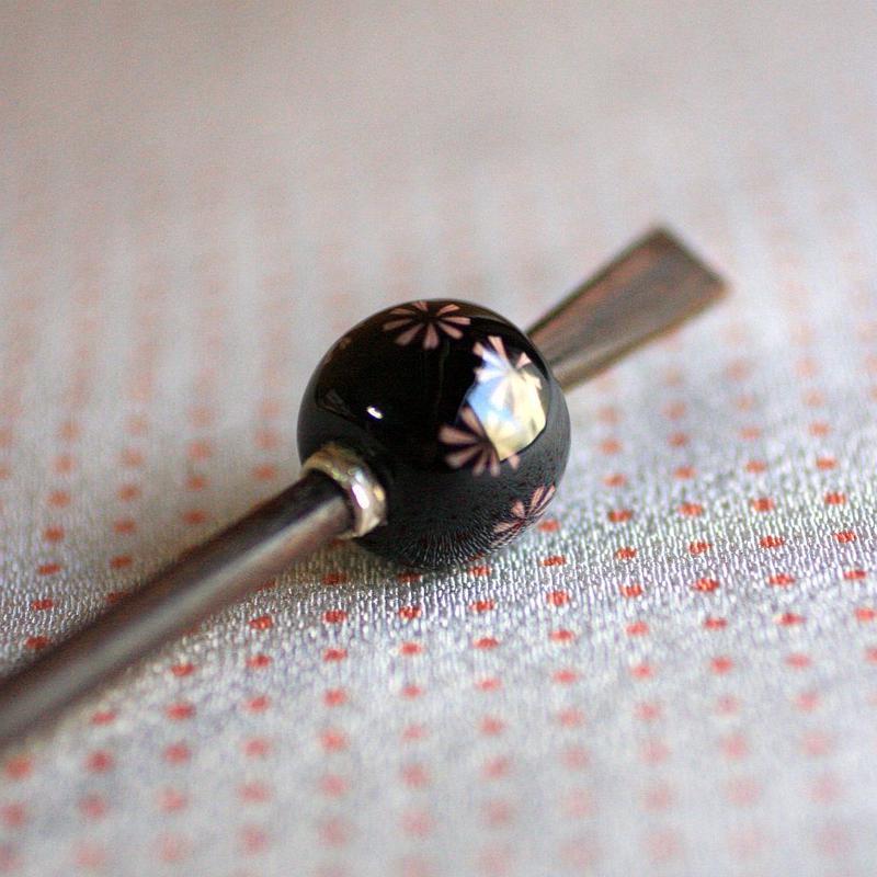 黒玉重花紋 蜻蛉玉簪