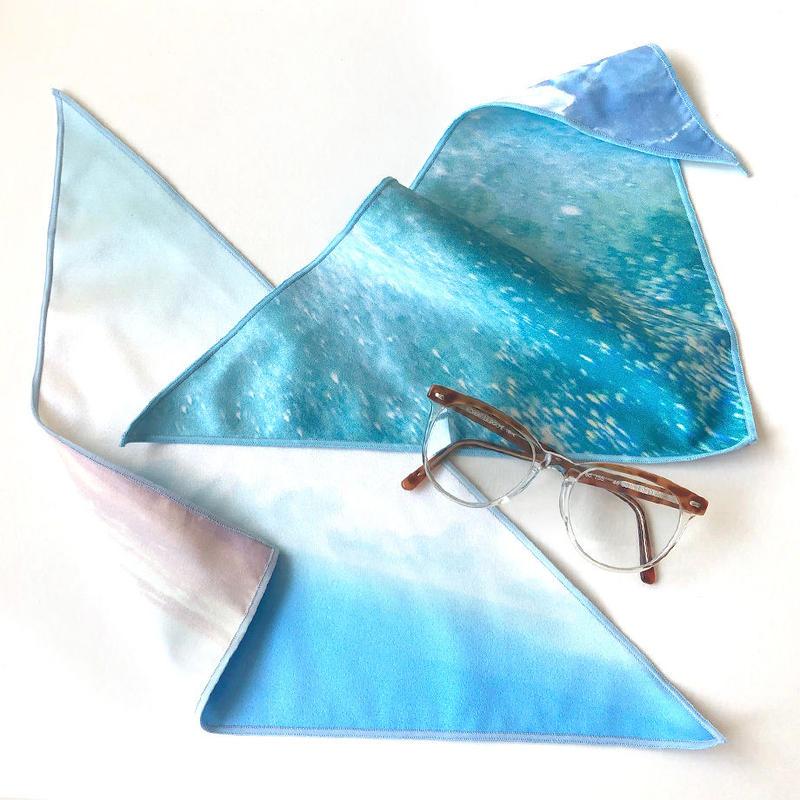 アイウエアが拭けるハンカチ 沖縄の海と空 - 三角