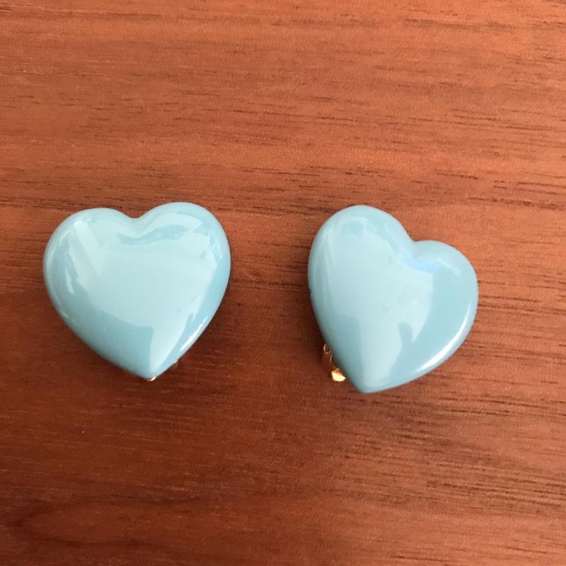 No.321 青空ブルーのハートイヤリング