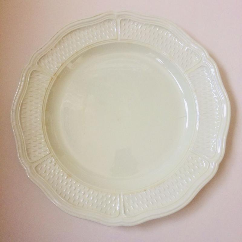 19世紀後半 オ・ヴァーズ・エトリュスク 花リム 米粒 プレート 大皿 アイボリー色