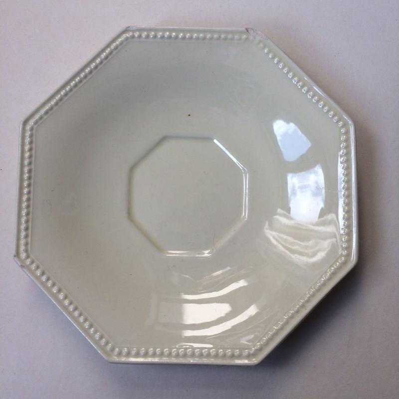 19世紀 モントロー クレイユ・エ・モントロー ソーサー 小皿 オクトゴナル パールリム クリーム色 3