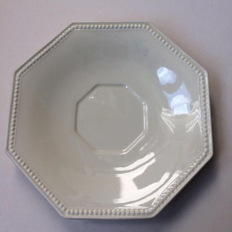 19世紀 モントロー クレイユ・エ・モントロー ソーサー 小皿 オクトゴナル パールリム クリーム色 2