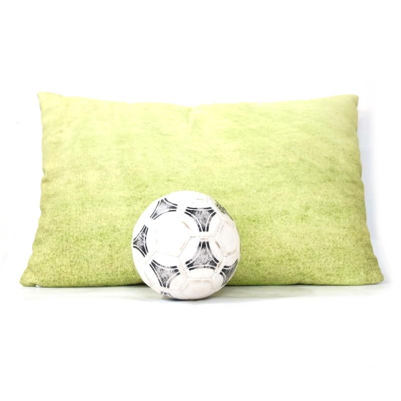サッカースタジアムの天然芝に寝転んだ気分になれるクッション