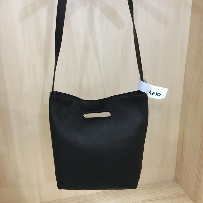Aeta / DA03 / DERR SHOULDER TOTE (S) (BLACK)
