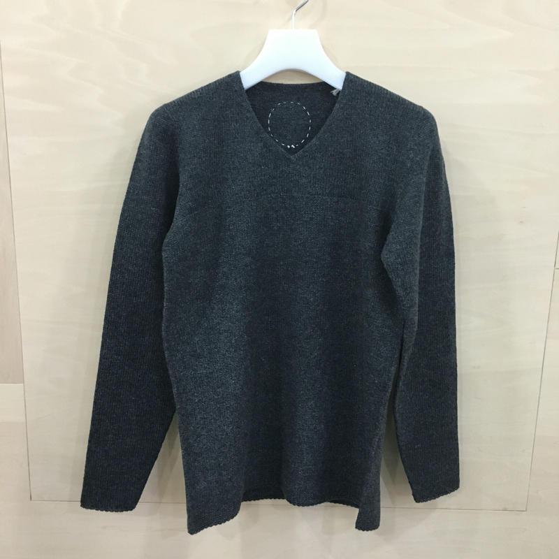 COSMIC WONDER / 08CW41016 / タスマニアウールのセーター (DARK GRAY)