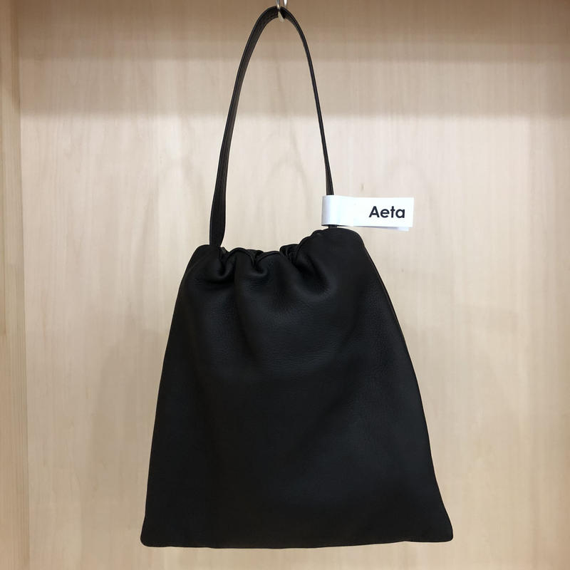Aeta / DA02 / KINCHAKU BAG (L) (BLACK)