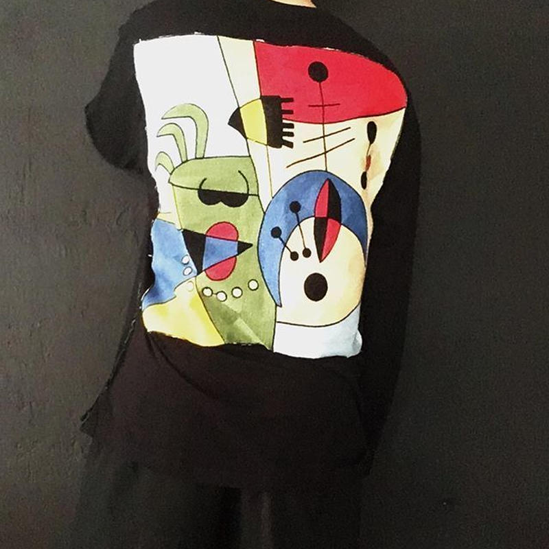 abstract embroidery tee
