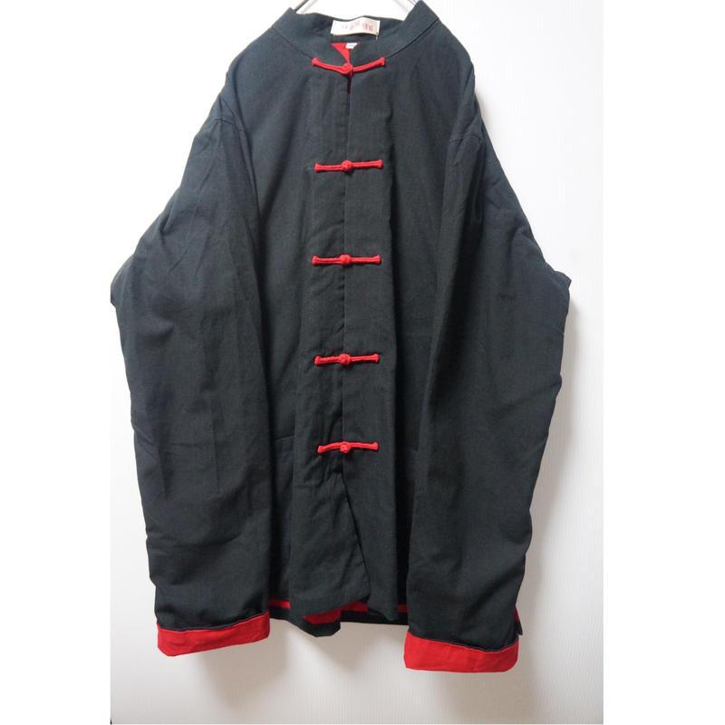 赤と黒の配色がカックイイチャイナシャツ