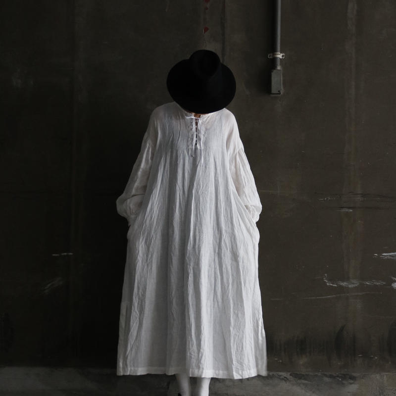 cavane キャヴァネ /  Lace-up linen one-piece ワンピース / ca-19006