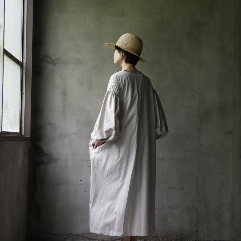 cavane キャヴァネ /  Lace-up one-piece 編み上げワンピース / ca-19053