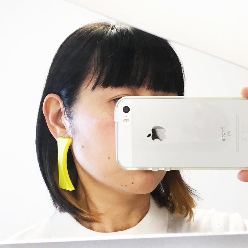Bracket earrings 【すみ付きカッコ】のピアス・イヤリング/カラー系