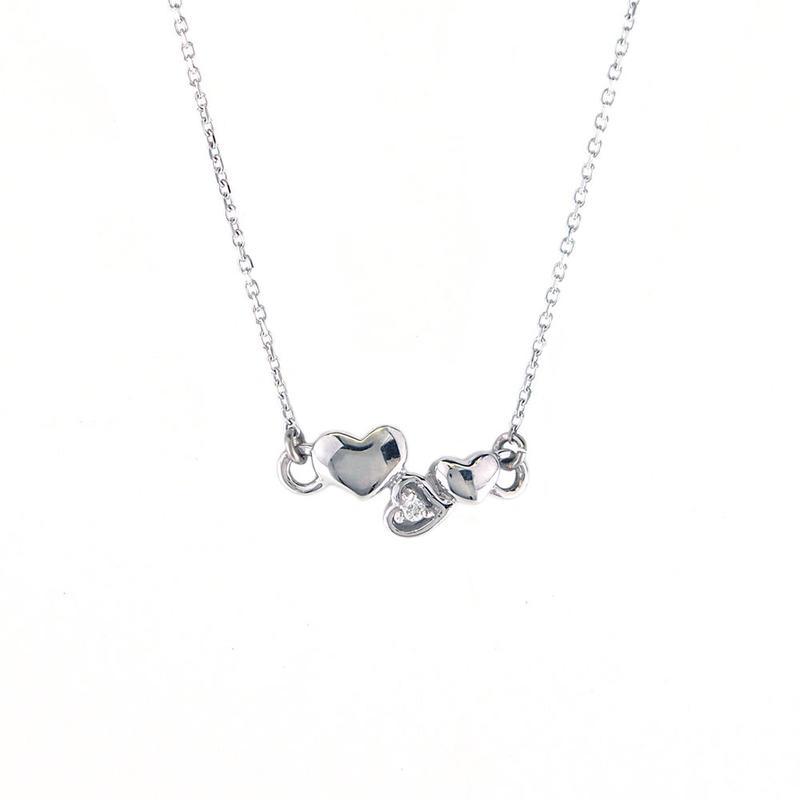 K18ホワイトゴールド ダイアモンド トリプルハート ネックレス
