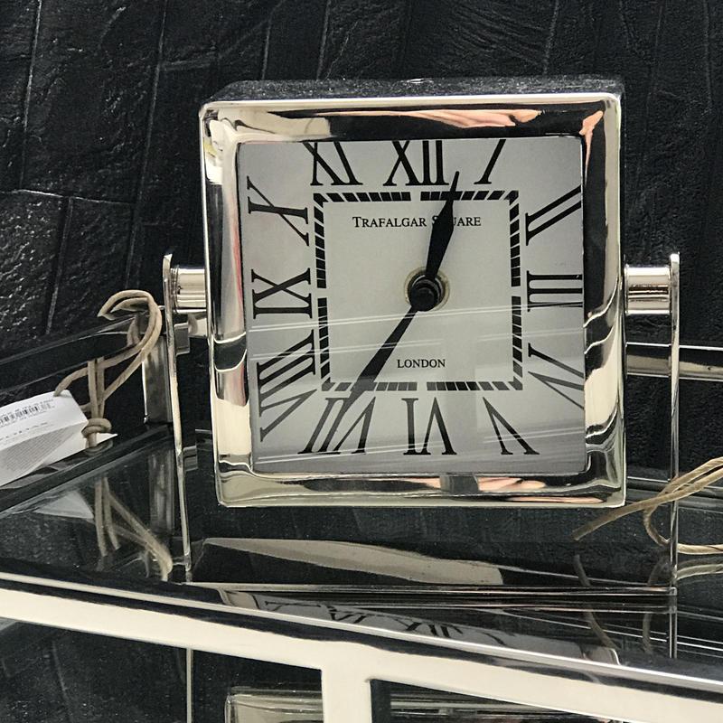 zodax置き時計