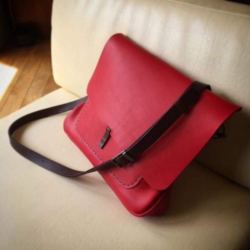 赤いグローブレザーのかわいいルーズバッグ