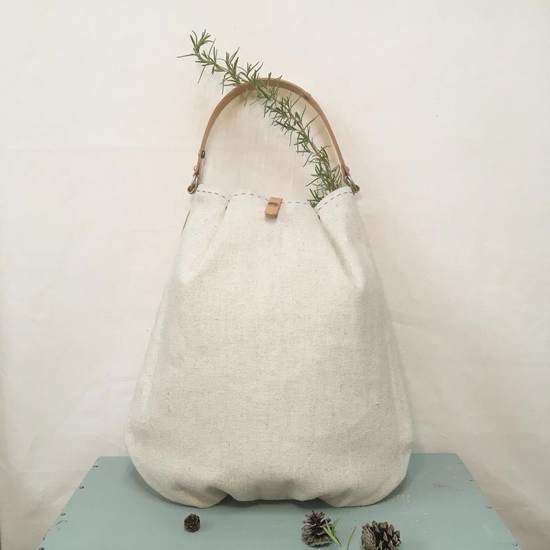 バゲットのためのプリーツバッグ(ベルトは風呂敷バッグのベルトになります!)