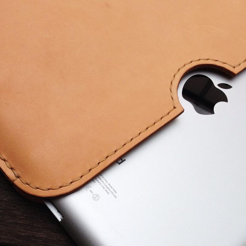 ヌメ革のiPad Airケース(受注生産)