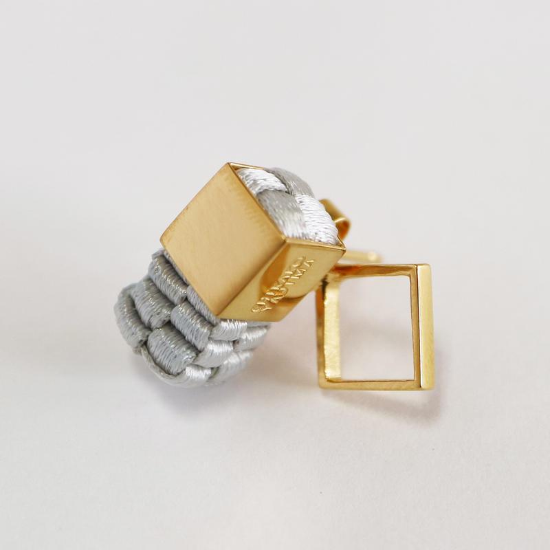 Cube / Pierced Earring Gray ピアス