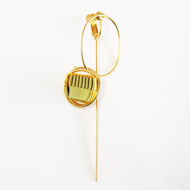 Ripple / Clip on Earring Gold イヤリング