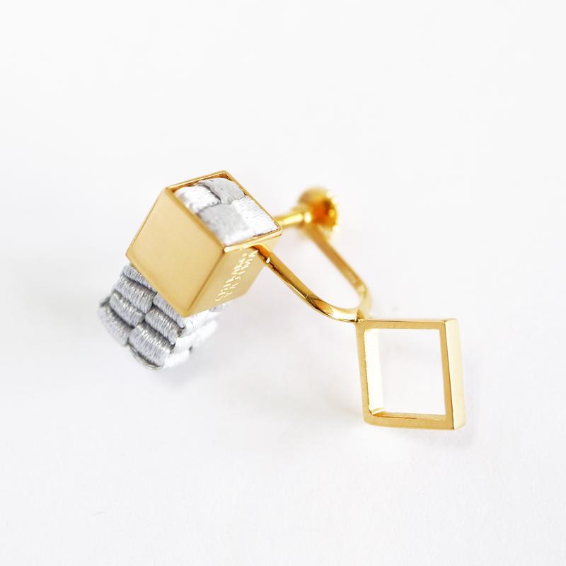 Cube / Crip on Earring Gray イヤリング