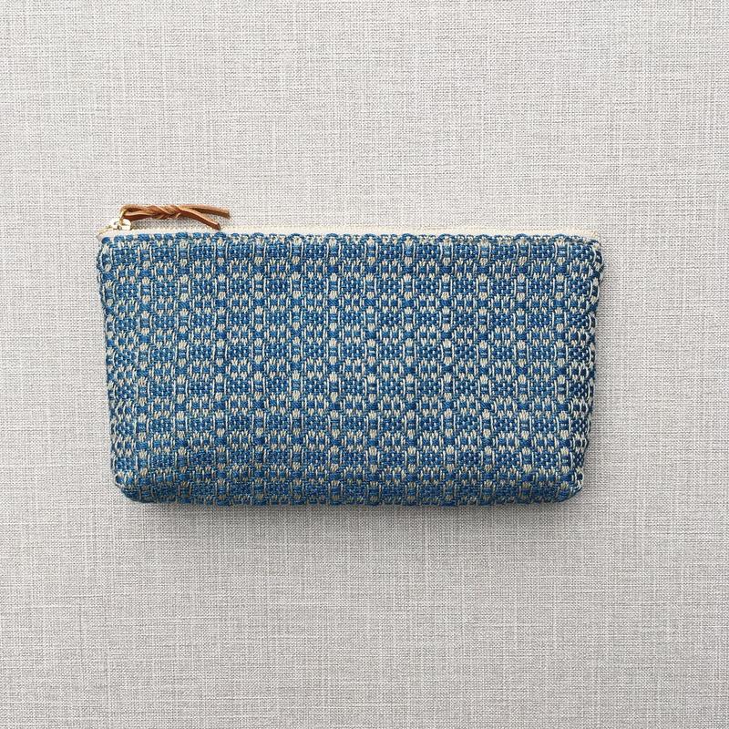 【在庫限り】手織りの横長ポーチ ( Long case  indigo flower)