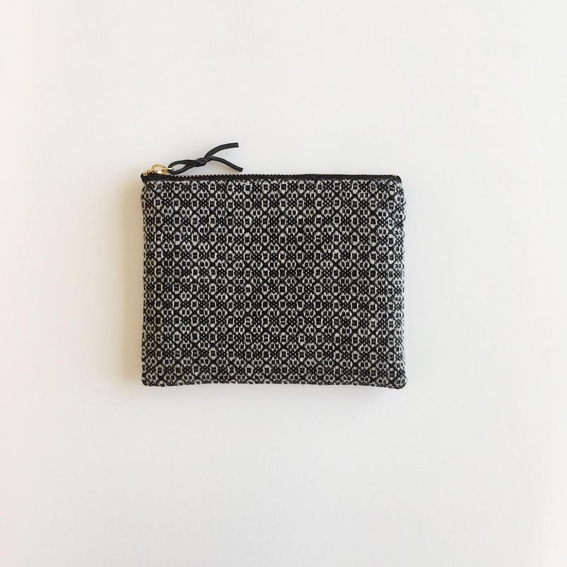 手織り布ウールミニポーチ ( Accessory case Black Flower)