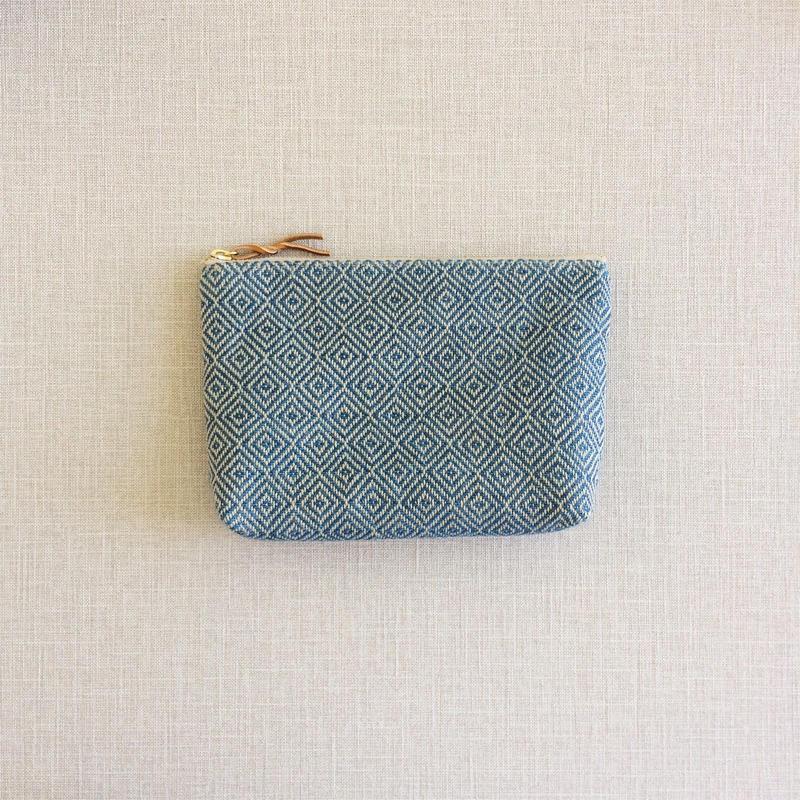 手織り布のメイクポーチ (Make up bag  Indigo bird's-eye)