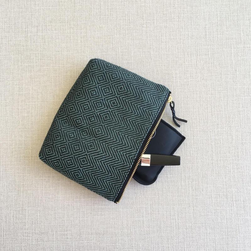 手織り布メイクポーチ ( Make up bag Maurice bird's-eye&herringbone)