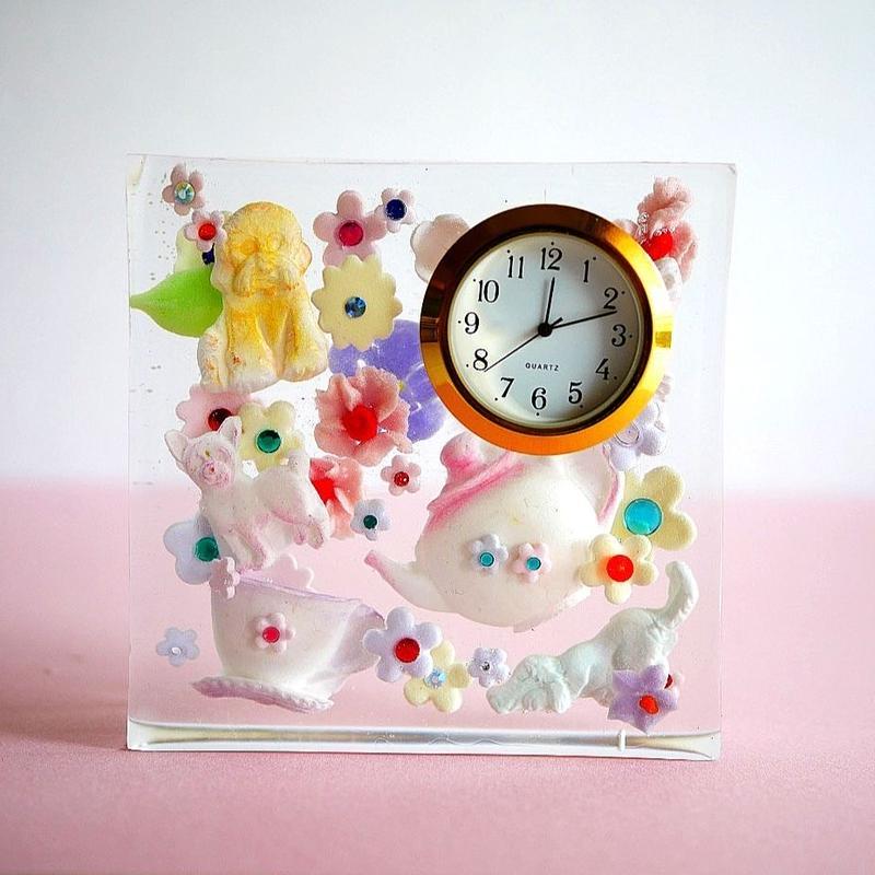 NEW WAVE  SUGAR 時計「 犬のティーパーティー」