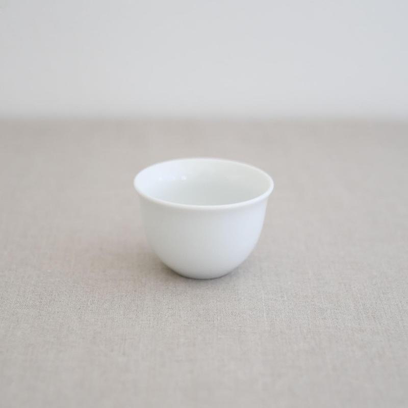 茶杯(白磁・中)
