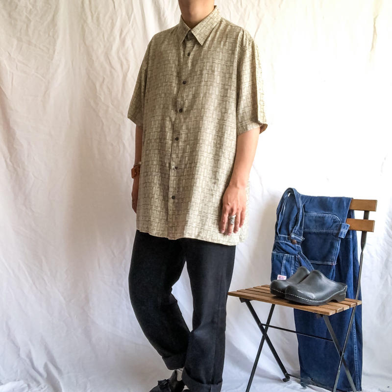 1990's~ bigsize patterned all over silk S/S shirt
