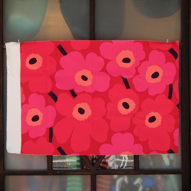マリメッコ marimekko <Unikko>コーティング・キャンバス・ファブリック(レッド)50×78cm 日本未入荷